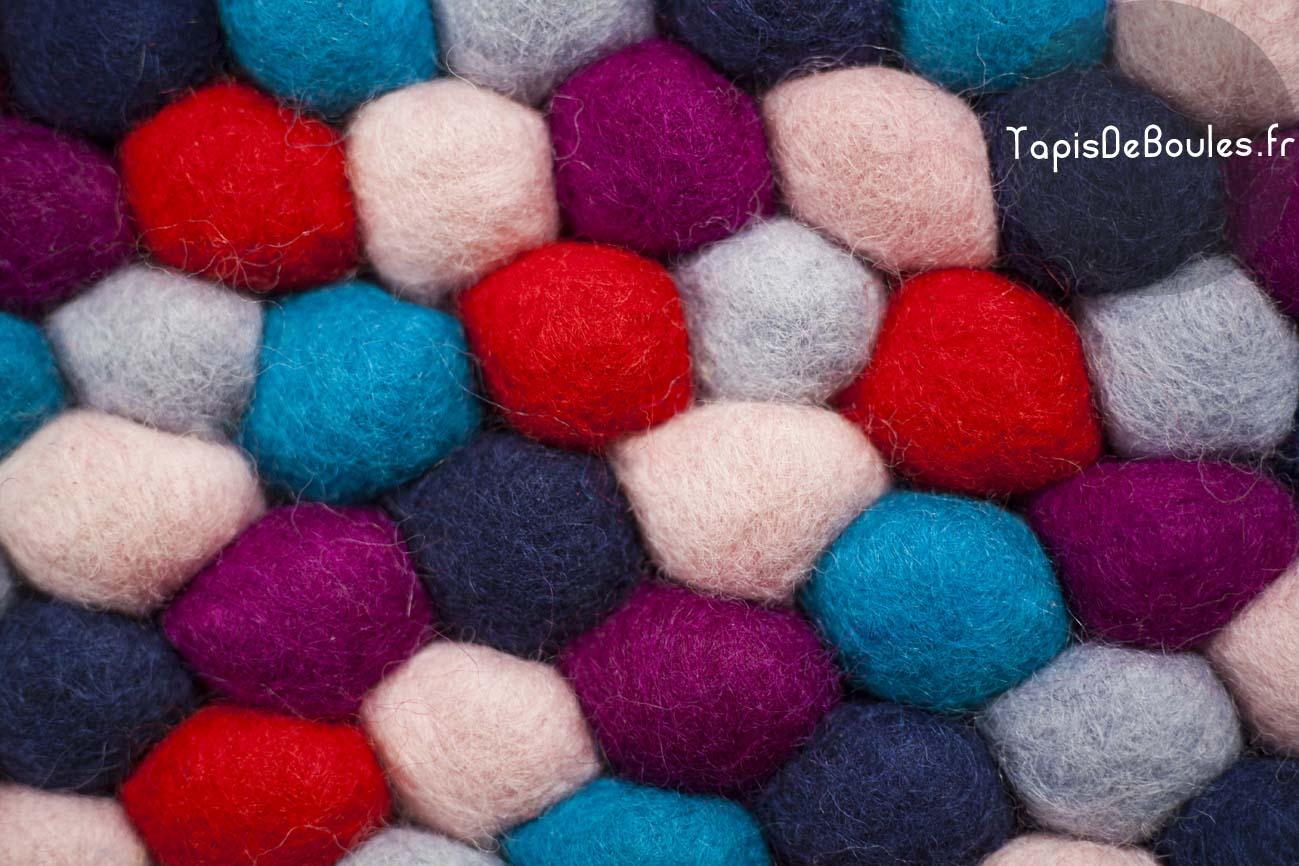 Tapis de Boules : cru00e9ateur de tapis u0026 commerce u00e9quitable : Fashion ...